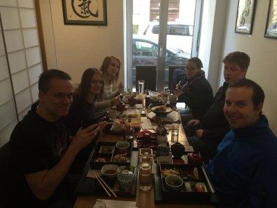 Kanpai im Restaurant Sakai